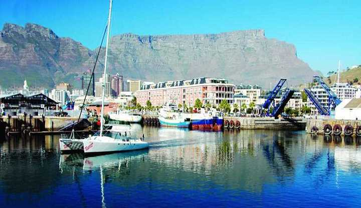 Day Cape Town to Joburg Accommodated