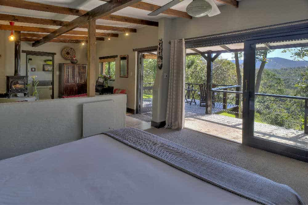 Hog Hollow Country Lodge | Taga Safaris