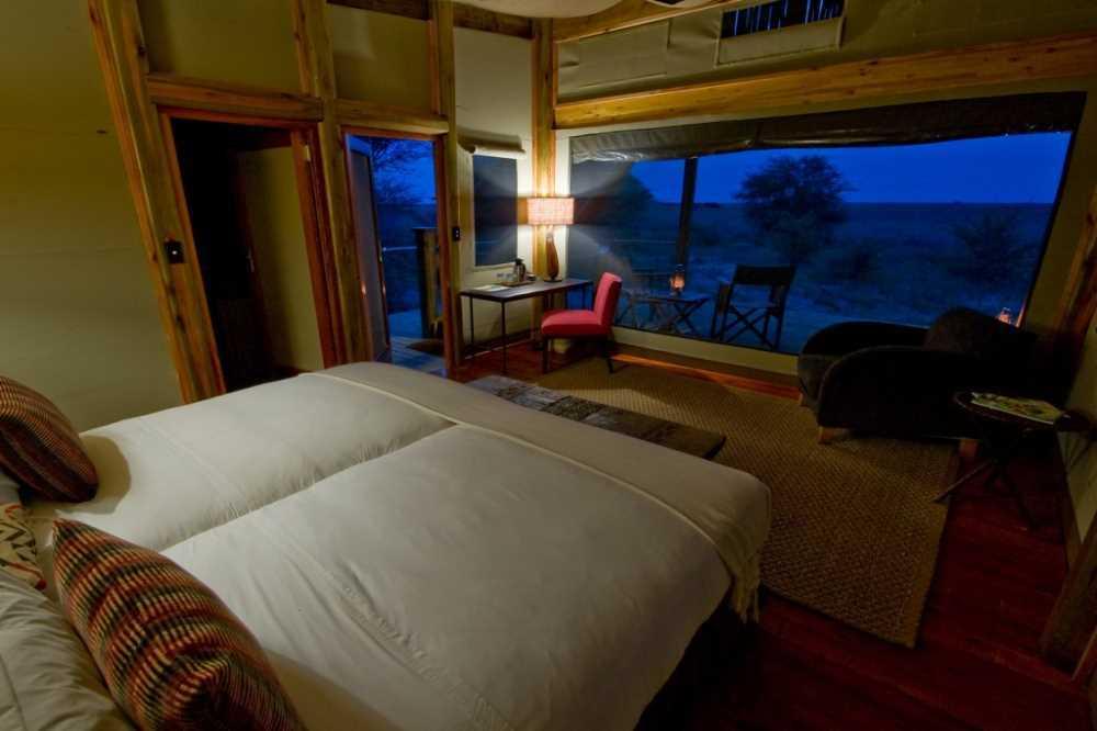 Kalahari Plains Camp | Taga Safaris