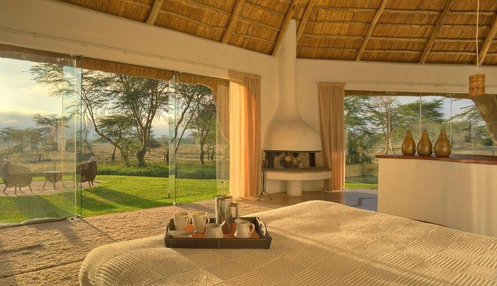 Fly me around Kenya | African Safaris with Taga