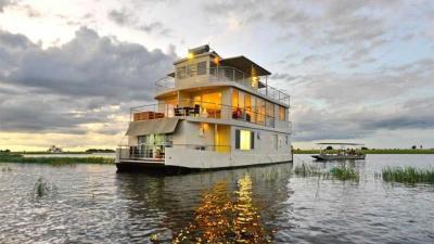 Chobe River Houseboats | African Safari with Taga